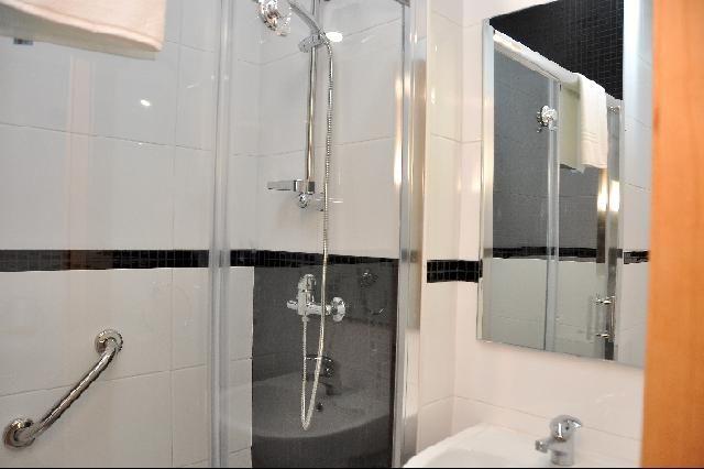 bathroom Location Apartment 73043 Viana Do castello