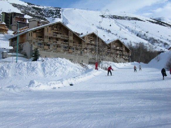 Outside view Location Apartment 1233 Les 2 Alpes