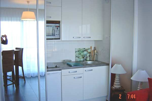 Open-plan kitchen Location Studio apartment 30785 Le Touquet
