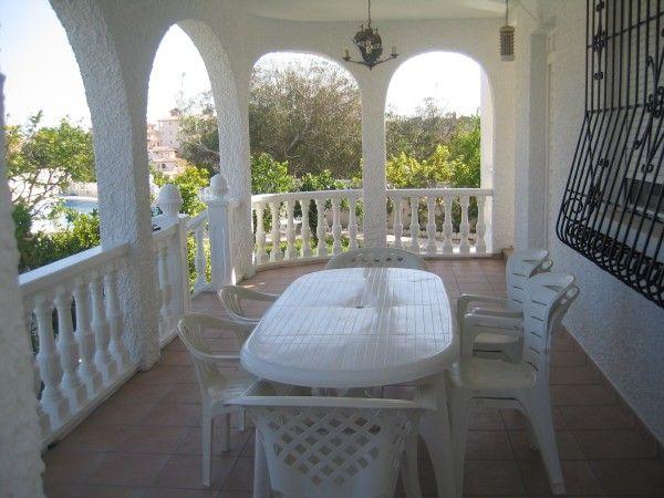 Terrace Location Villa 39657 Torrevieja