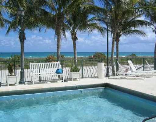Swimming pool Location Apartment 47405 Miami Beach