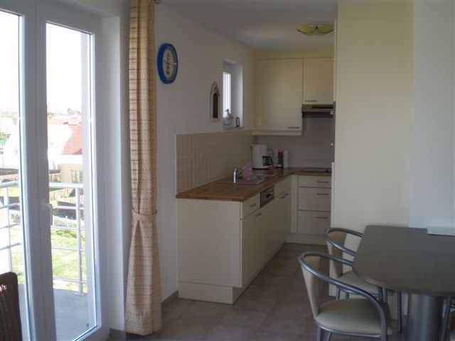 Open-plan kitchen Location Apartment 52935 Wimereux