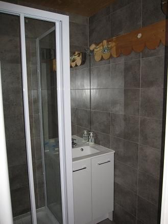 Washing facilities Location Apartment 57233 Risoul 1850