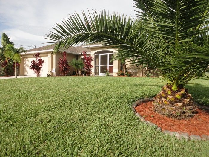 Hall Location Villa 57904 Cape Coral