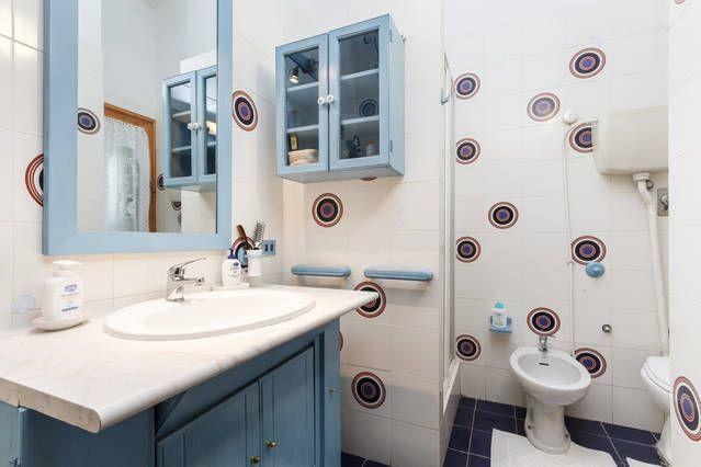 bathroom Location Villa 58936 Solanas