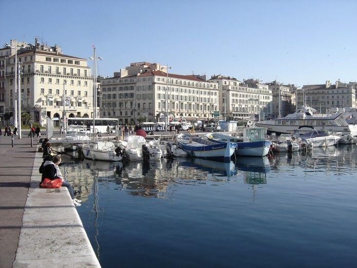 Surroundings Location Studio apartment 5963 Marseille