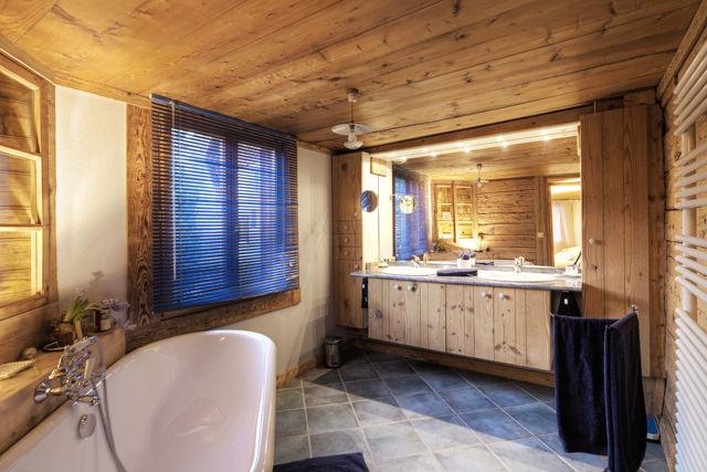 bathroom Location Chalet 60510 La Clusaz