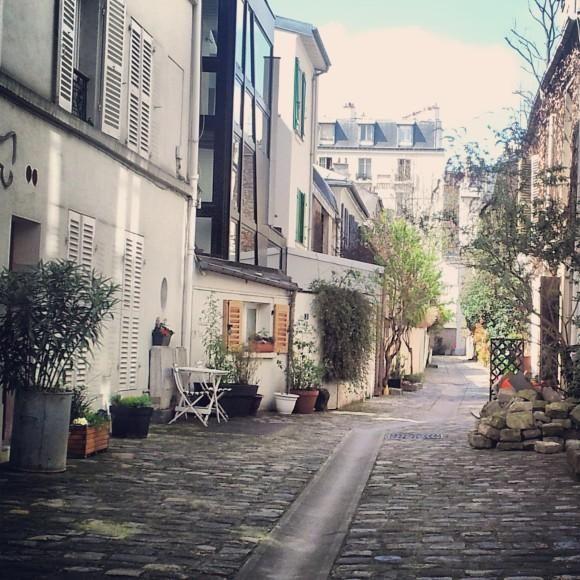 Surroundings Location Studio apartment 63317 PARIS