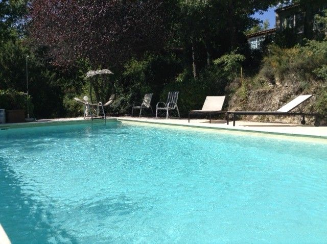 Swimming pool Location Self-catering property 92728 La Tour d'Aigues