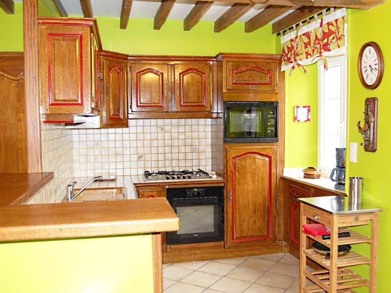 Open-plan kitchen Location Self-catering property 66490 Vire