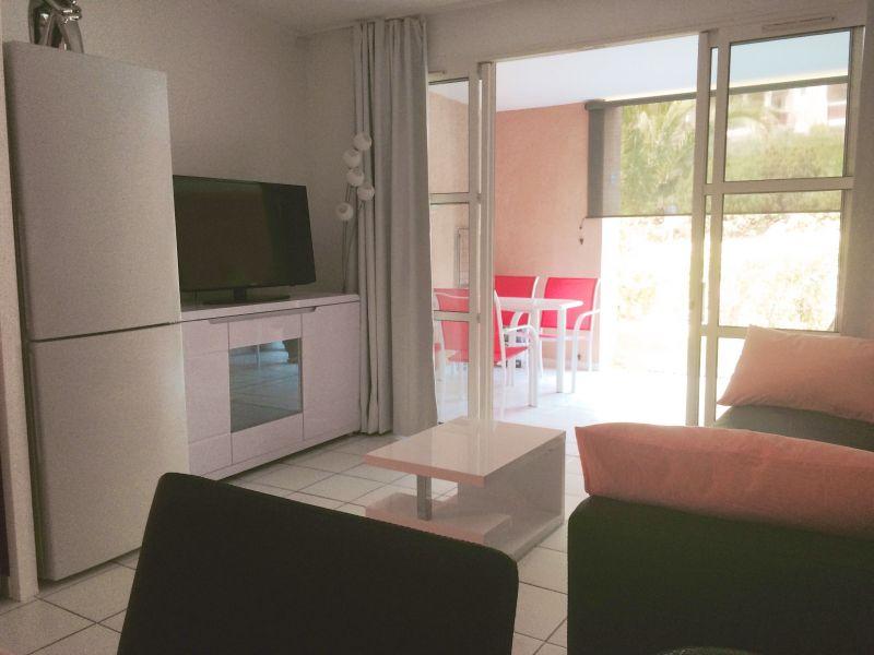 Location Apartment 107381 Saint Raphael