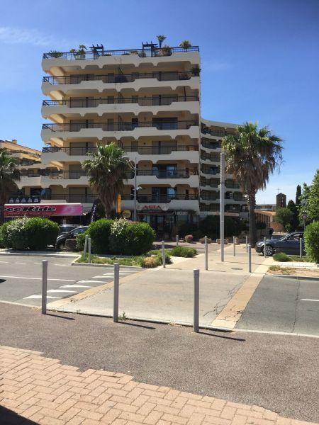 Outside view Location Studio apartment 110777 Fréjus