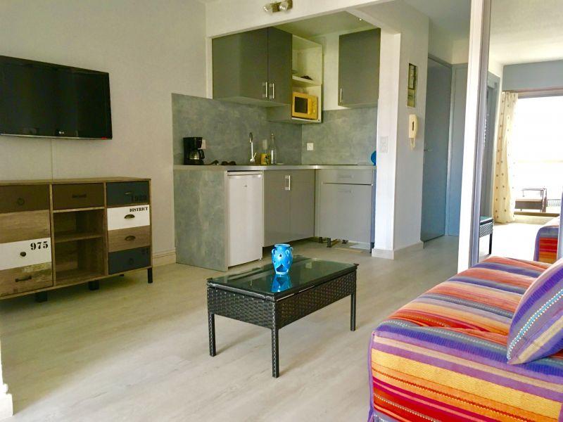 Kitchenette Location Studio apartment 110777 Fréjus