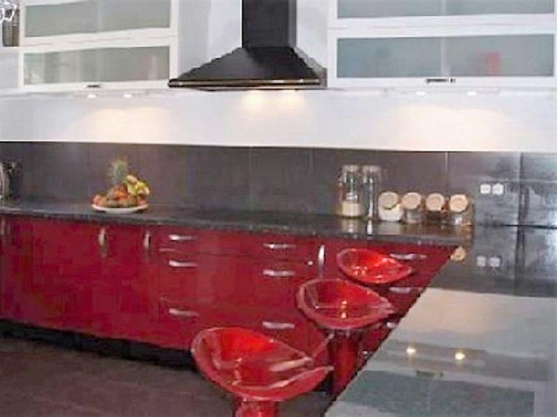 Open-plan kitchen Location Villa 112792 Sainte Maxime