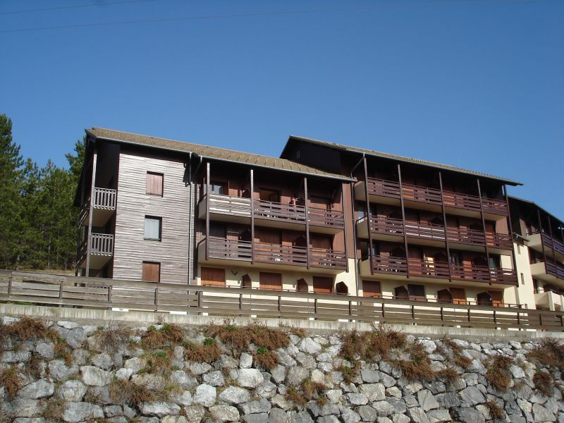 Outside view Location Apartment 113517 Embrun