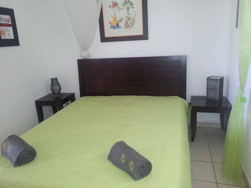 bedroom 2 Location Apartment 84275 Le Diamant