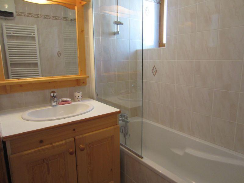 bathroom 1 Location Apartment 109968 Val Cenis