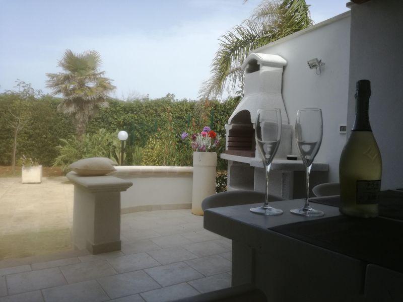 Summer kitchen Location Villa 114399 Ostuni