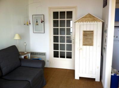 Sitting room Location Studio apartment 91352 Hardelot