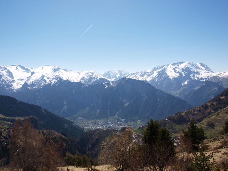 View from the balcony Location Studio apartment 93111 Alpe d'Huez