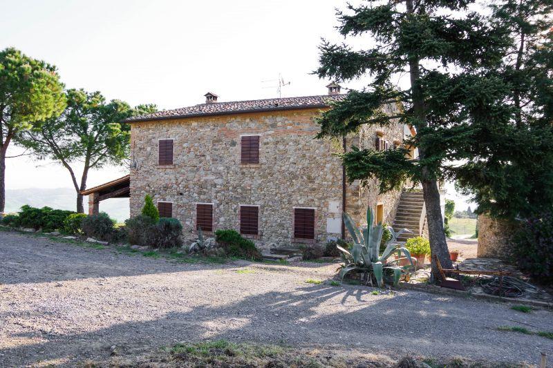 Location Apartment 100209 Chianni