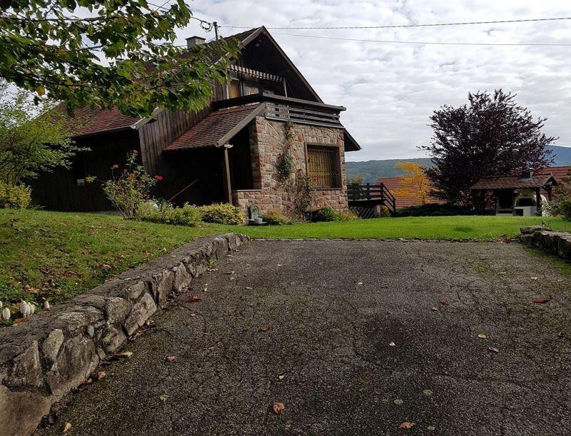 Hall Location House 114224 Strasburg