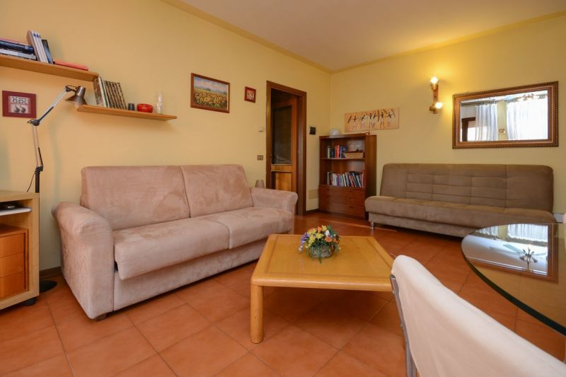 Living room Location Apartment 69665 Sirmione
