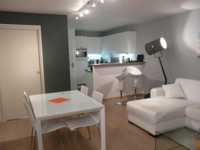 Open-plan kitchen Location Apartment 81592 Le Touquet