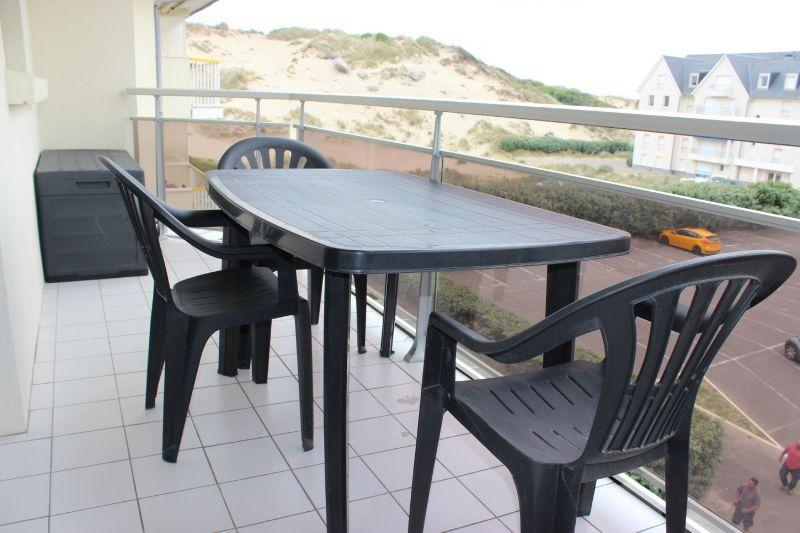 Balcony Location Apartment 93061 Fort Mahon
