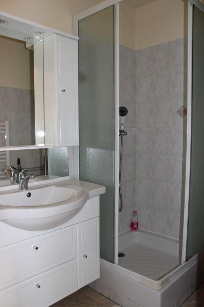 bathroom Location Apartment 93061 Fort Mahon