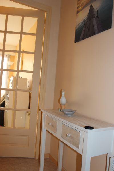 Hall Location Apartment 93061 Fort Mahon