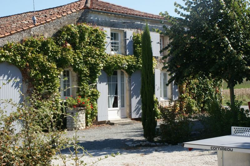 Outside view Location Self-catering property 108201 La Rochelle