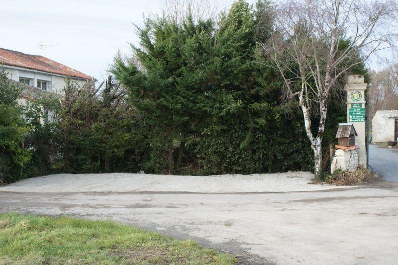 Parking Location Self-catering property 108201 La Rochelle