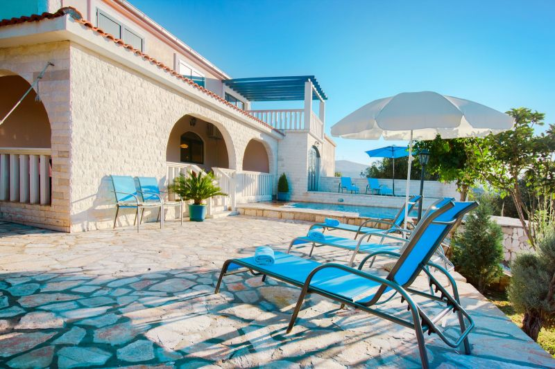 Swimming pool Location House 112578 Marina