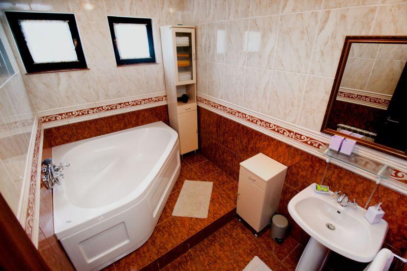 bathroom 2 Location House 112578 Marina