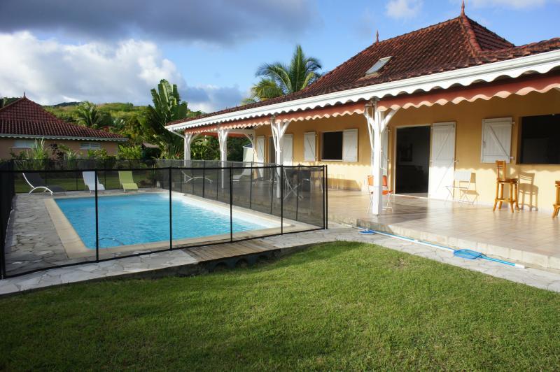 Outside view Location Villa 75109 Le Diamant