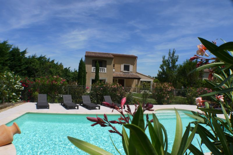 Outside view Location Villa 103227 Villeneuve lez Avignon
