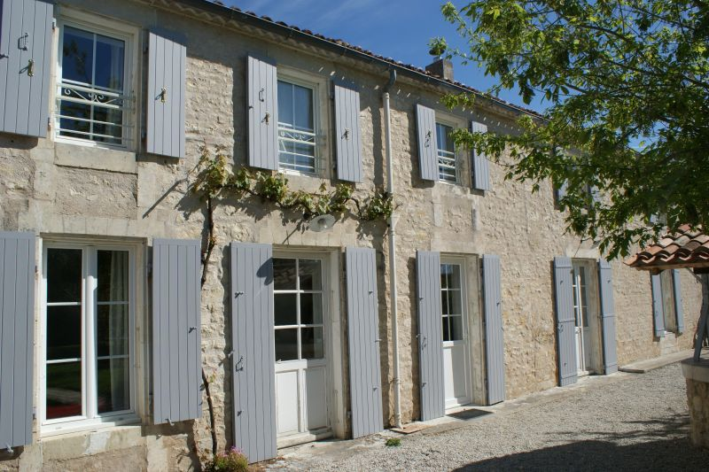 Outside view Location Self-catering property 108202 La Rochelle
