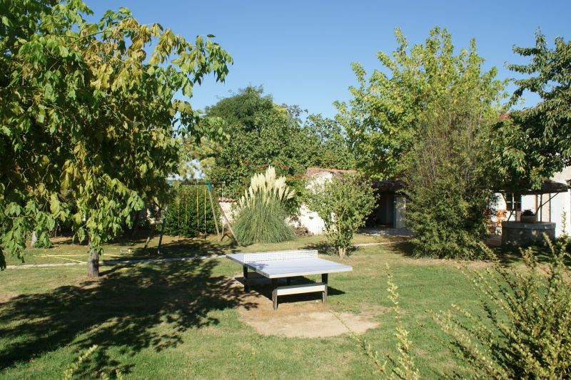 Garden Location Self-catering property 108202 La Rochelle