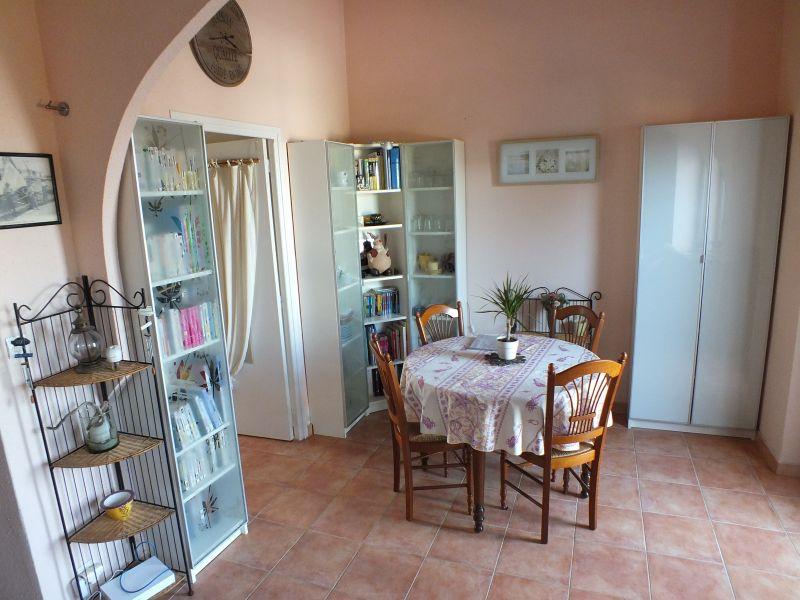 Dining room Location Apartment 108260 Le Grau du Roi