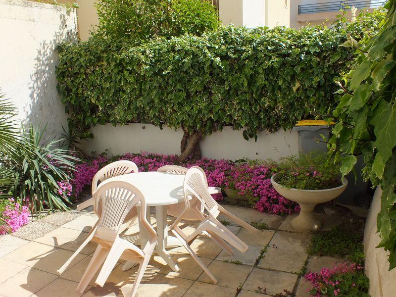 Garden Location Apartment 108260 Le Grau du Roi