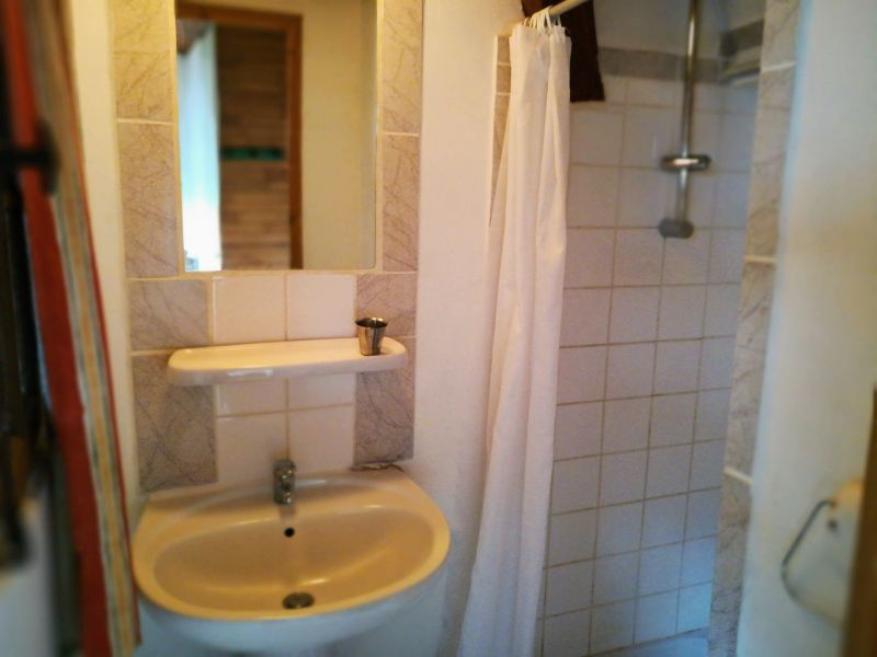 Washing facilities Location Self-catering property 115914