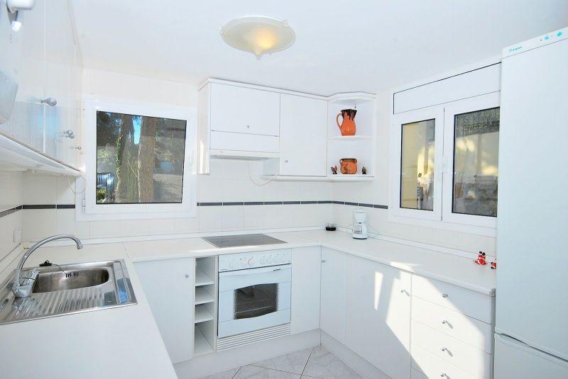 Open-plan kitchen 1 Location Villa 117948 Lloret de Mar