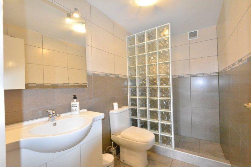 bathroom 2 Location Villa 117948 Lloret de Mar