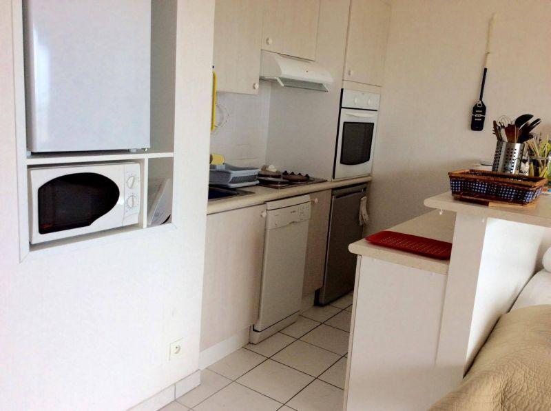 Open-plan kitchen Location Apartment 77016 Saint Brevin les Pins