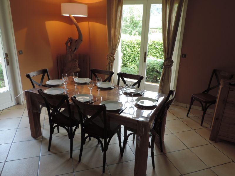 Dining room Location Self-catering property 99943 Samoëns