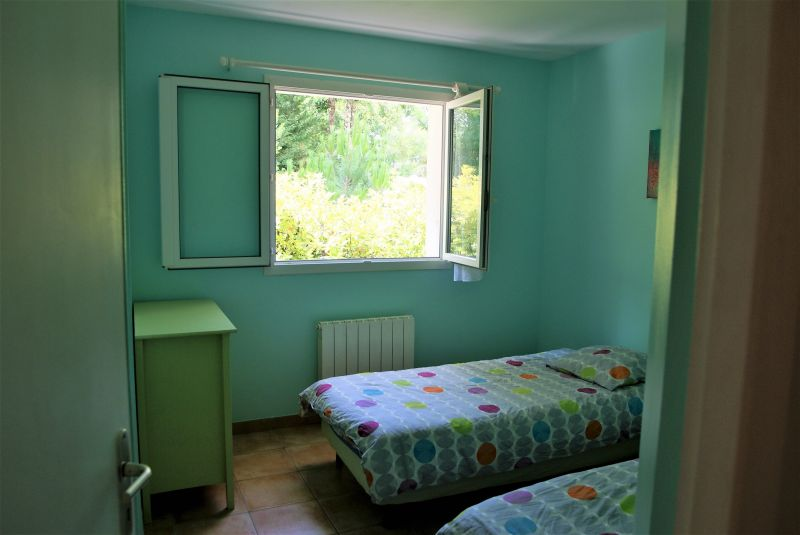 bedroom 2 Location House 10182 Andernos les Bains