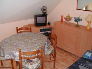 Living room Location Apartment 10878 Fort Mahon