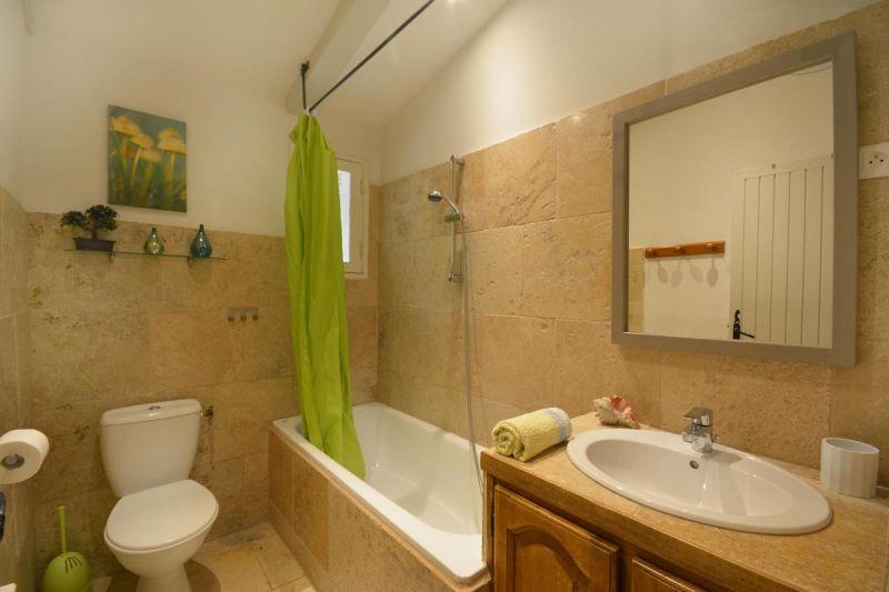 Location Self-catering property 13098 Les Baux de Provence