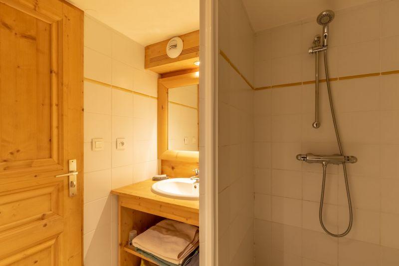 bathroom 4 Location Chalet 136 Les Arcs